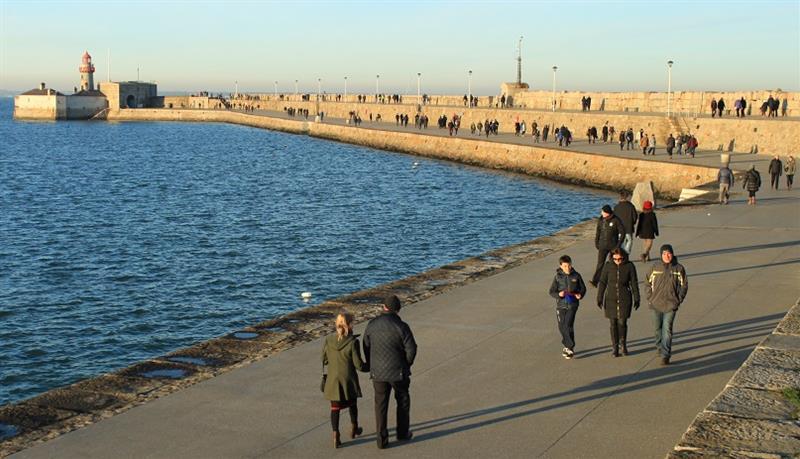 Walk-the-East-Pier-cropped-.jpg